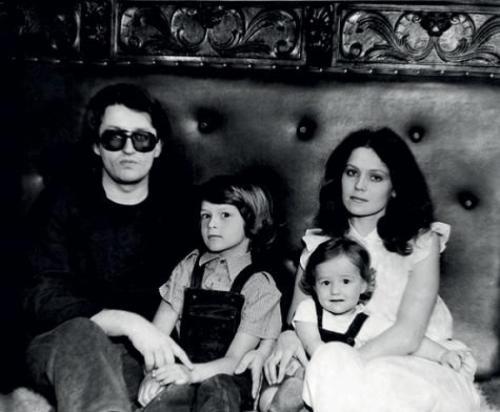 Александр Градский Певец прожил с третьей женой Ольгой, родившей ему двоих детей, 23 года, когда, видимо, пришел черед четвертой.