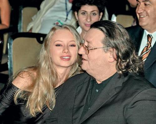 В 2003 году Градский закрутил роман с Мариной Коташенко.