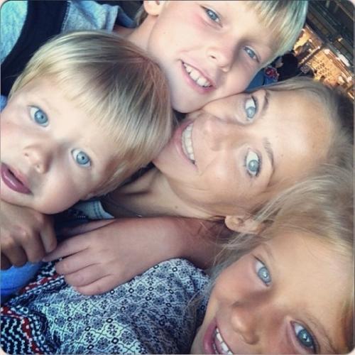 Барановская сильно переживала предательство, однако взяла себя в руки, сделала карьеру на ТВ. Ее беспокоит лишь, что бывший муж не общается с дочкой и сыновьями.