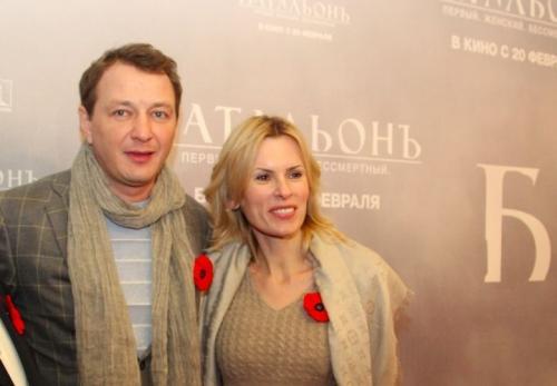 С бывшей женой отношения у актера остались дружескими: Круцко продолжила работать агентом и директором Башарова.