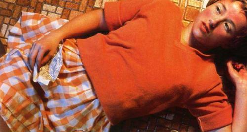 Синди Шерман — «Без названия №96», 1981Автопортрет  Синди Шерман —  американской перформанистки, по словам фотохудожницы,  символизирует формирование женской сущности.Цена — $3 890 500.