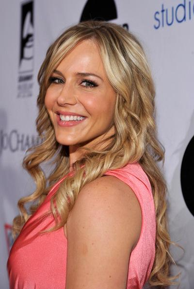 82. Джули Бенц (Julie Benz)