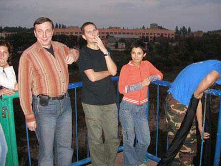 <B>Киевская журналистка Юлия Зайцева разбилась на банджи-джампинге в городе Каменце-Подольском, ее тело искали почти 16 часов... </B>Это последние снимки девушки перед роковым прыжком...