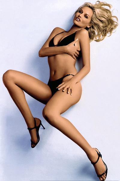 6. Адриана Скленарикова (Adriana Sklenaříková), 41 год, словацкая супермодель Длина ног: 121,5 см Рост: 178 см
