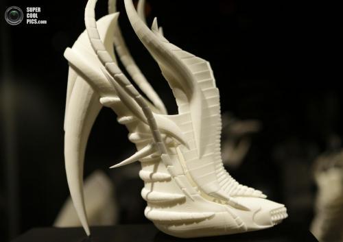 «Экзоскелет» английского модельера Янины Эллейн (Janina Alleyne):