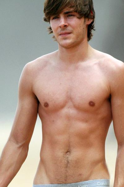Сексуальные мужчины голые спускают