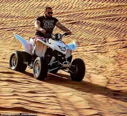 Модные гонки по песчаным дюнам