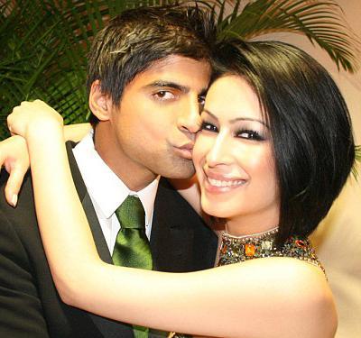 Модель Сахар Дафтари (Sahar Daftary) была выброшена из окна 12-го этажа 20 декабря 2008 года. Ей было 23.