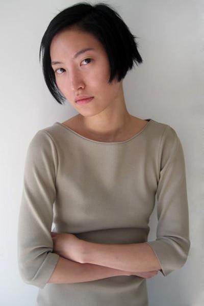 Жизненный путь популярной южнокорейской модели и блоггера Дол Ким (Daul Kim) завершился самоубийством в возрасте 20 лет.