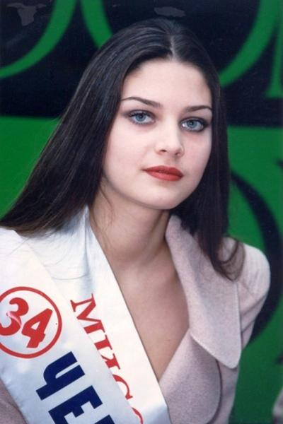 19-летнюю российскую модель Александру Петрову убили 16 сентября 2000 года во время покушения на ее бойфренда, криминального авторитета Константина Чувилина.