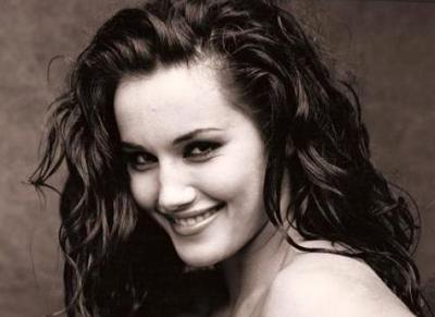 24-летняя британская актриса и фотомодель Кадамба Симмонс (Kadamba Simmons), снявшаяся в семи кинокартинах, три из которых вышли уже после ее смерти, была жестоко убита 14 июня 1998 года.