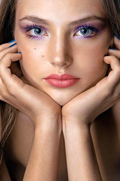 Суицидом закончилась жизнь и казахстанской модели Русланы Коршуновой - девушка погибла 28 июня 2008 года, за 4 дня до своего 21-летия, в Нью-Йорке.
