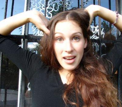 А том же году 22-летняя канадская модель Диана О`Брайен (Diana O`Brien) была ограблена и убита в своей квартире в Шанхае.