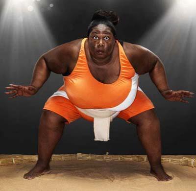 Самая тяжелая спортсменка Вес британской сумоистки Шарран Александер, проживающей в Лондоне, достигает 203,21 кг.