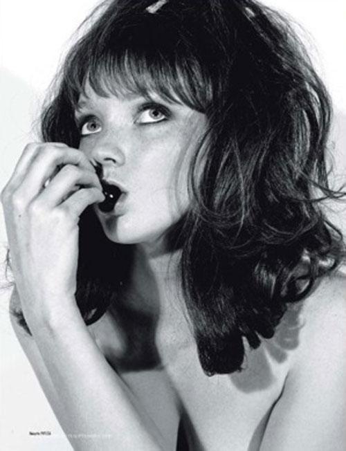 В 2007 году, Лили Коул занимала 83 место в списке самых богатых молодых людей Британии (Sunday Times Rich List).
