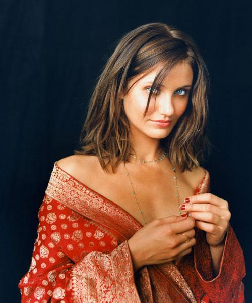 """В 2005 году она попала на четвертое место в списке обладательниц """"самых красивых ног шоу-бизнеса""""."""