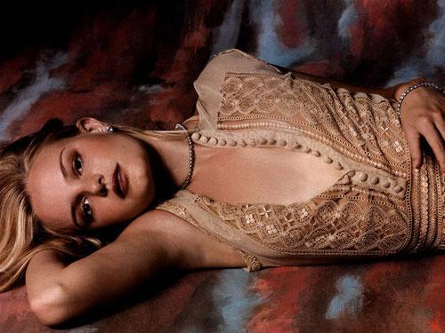 """Для съемок в новом фильме 23-летней звезде """"Перл-Харбора"""" пришлось сильно похудеть. Мелодрама """"Сезон пыли"""" была запущена в производство в середине июня. Партнером Кейт по картине стал ее жених Орландо Блум. Он сильно беспокоится об излишней худобе своей будущей супруги."""