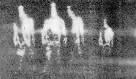 """""""Но я никогда не искал цветного портрета инопланетянина во всех подробностях, главное, чтобы мне верилось в их существование"""", - заявляет коллекционер..."""