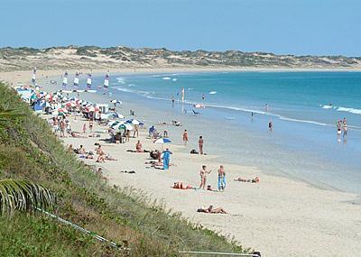 Топ-10 самых опасных пляжей планеты