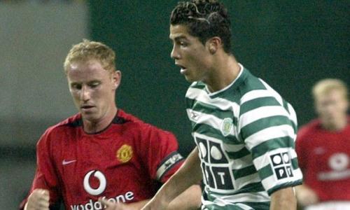 """Переход из этого клуба в """"Манчестер Юнайтед"""" состоялся по счастливой случайности: """"Красные дьяволы"""" проходили предсезонный сбор в Португалии, где провели товарищеский матч с лиссабонским """"Спортингом"""". И проиграли 1:3."""