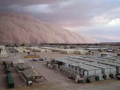 Песчаная буря в Ираке, 2005 год.