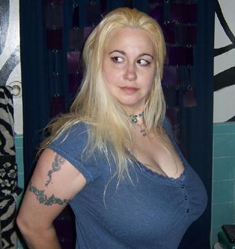 Американка с большая грудью