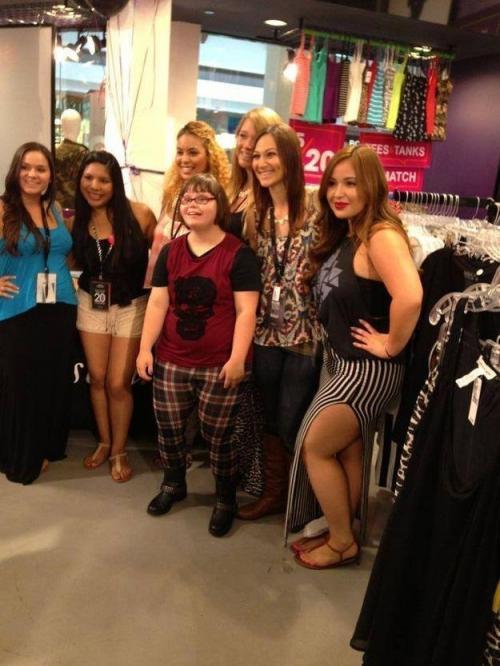 Кэрри с ее подругами-моделями.