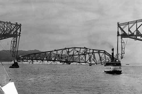 11 сентября, 1916. Мост Квебек(Канада)Это не первое разрушение этого моста. В первый раз трагедия произошла в 1907 году. Погибло: 95 человек в двух трагедиях...
