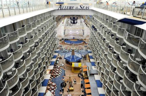 �Allure of the Seas� ����� 16 ����� ��� ����������, ������� 2700 ����.