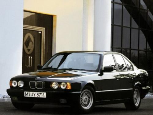 9. BMW 5-Series (E34)Действительно культовым автомобилем российского криминала тревожных
