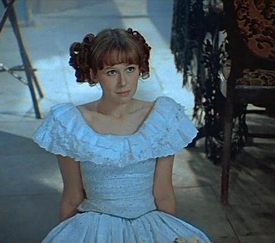 Евгения Симонова, 56 летГлавная роль: принцесса в фильме «Обыкновенное чудо» (1978)