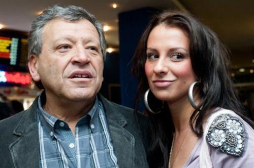 Режиссер познакомился с девушкой в 2010 году в ночном клубе, где она работала танцовщицей.
