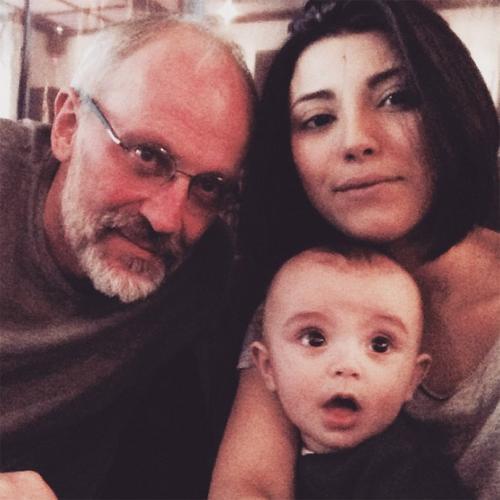 50-летний Александр Гордон  женился в четвертый раз. На этот раз избранницей режиссера стала 20-летняя студентка ВГИКа Нозанин Абдулвасиева.