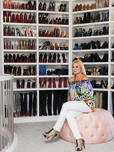 Самая большая обувь, туфли на шпильках - YouTube