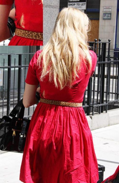 Ведущая на  «Радио 1» Фирн Коттон явилась на работу  в порваном платье. Её карьера сложилась бы не так удачно, если бы она трудилась на телевидении.