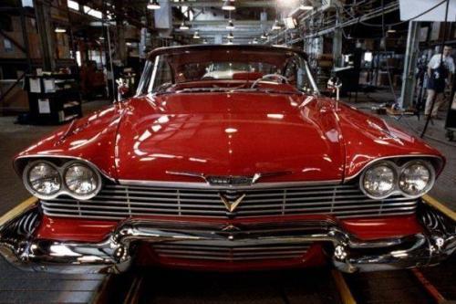 Plymouth Fury 1958  Еще одним отрицательным персонажем, роль которого досталась автомобилю, является небезызвестная «Кристина» Стивена Кинга. Это как раз тот случай, когда главным героем картины становится не человек, а автомобиль. Интересный факт: все модели Plymouth Fury 1958 года выпуска были выполнены в бананово-желтом цветовом решении, а по книге модель была ярко-красного цвета. Стивен Кинг рассказал, что по его просьбе пришлось перекрашивать автомобиль в красный и белый цвета.