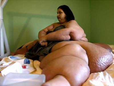 Приблизительный вес Майры Розалес составляет 500 килограммов, и, по версии следствия, в 2008 году она раздавила своего двухлетнего племянника, когда неловко повернулась и потеряла равновесие.