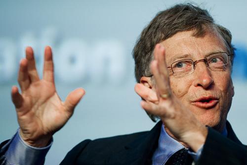 Билл ГейтсМесто в рейтинге Forbes 400: 1Состояние: $72 млрдОснователь Microsoft удерживает титул лидера Forbes 400 с 1994 года, несмотря на то, что пожертвовал на благотворительные цели $28 млрд.Миллиардер успешно инвестирует через компанию Cascade. Среди крупнейших вложений — производитель сельхозтехники Deere & Co., Национальная железная дорога Канады и мексиканская Femsa.