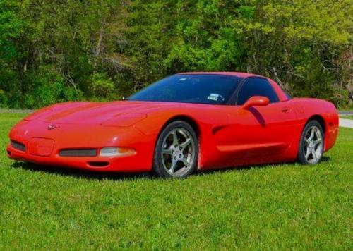 2001 Chevrolet Corvette Coupe, электропакет, АКПП, $10,000