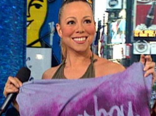 Мэрайя Кери В 2001 году певица появилась на канале MTV, сняла в эфире футболку и попросила передать ее аудитории.