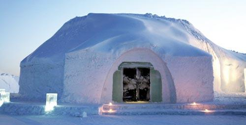 �������, ������� �������� Icehotel � ������ -  ������ ��� ������� ��������� ���������� � ����� ��������� � ��� 15 ��� � ����������� ������ � � ������ �� ������ �� ������   �������� �������� �� ������ 300 �������. ������� ���� ������ � �������,  ����� ��� ��� ��������� �������� ����� � ������� � �����-����. ����� � ���� ������ ��������� ���� � ��.