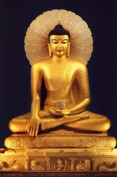 """Будда Шакьямуни.   """"Данная фотография статуи Будды - подарок моего друга из Индии.  Статуя была создана в Бодхгайе во..."""