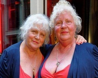 близняшки проститутки из амстердама