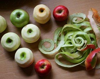 Повар изобрел сверхбыстрый способ очистки яблок