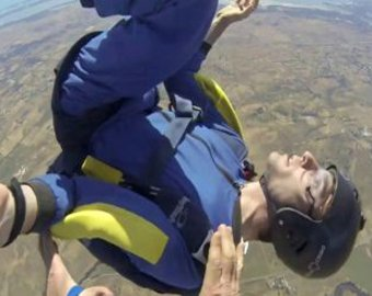 Парашютист остался невредим после падения с высоты 1,5 километра