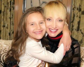 Кристина Орбакайте показала видео, на котором она поет вместе с дочкой