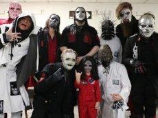 5-летний британец встретился со Slipknot, сыграв на их концерте на «воображаемых» барабанах