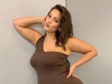Танец модели plus-size Эшли Грэм стал вирусным