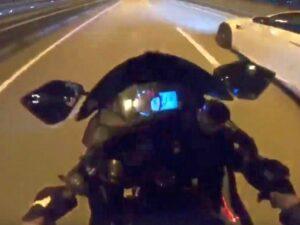 Байкерша сняла на видео свое падение на скорости 190 км/ч