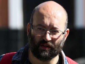 Журналиста Илью Азара арестовали за одиночный пикет